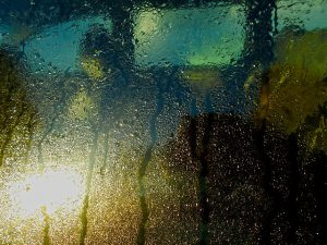 car-window-1231472_640